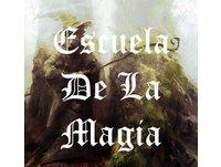 ESCUELA DE MAGIA por Omar Hejeile