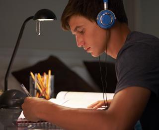 Escucha cuando estudias