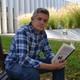 Entrevista a José Abad, autor de la novela 'Del infierno' (Nazarí)