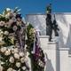Ofrenda floral de Raúl Castro a combatiente del Moncada