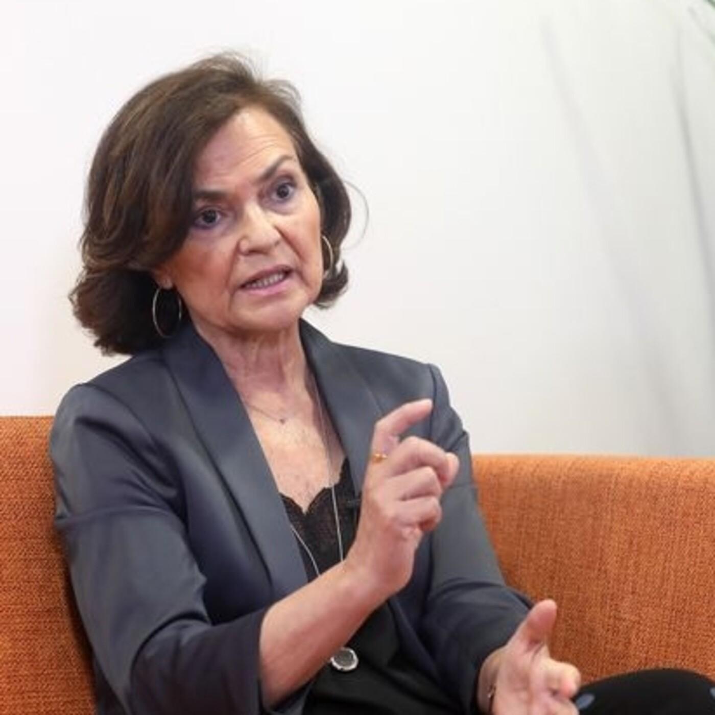 """Carmen Calvo: """"El Gobierno no puede cuestionar la jefatura del Estado porque estaría incumpliendo la Constitución"""""""