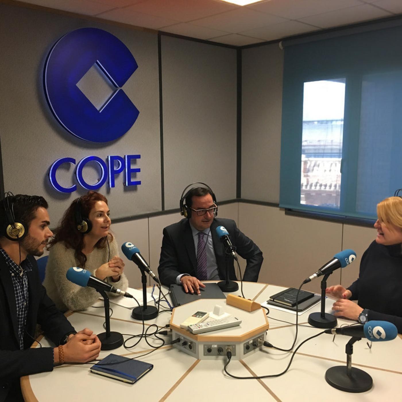 Thumbnail for 2015-12-16 - Hablando de Geomática y su Formación Universitaria en el 92.6FM de COPE Valencia