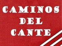 Lola Flores impone insignia a Curro Romero