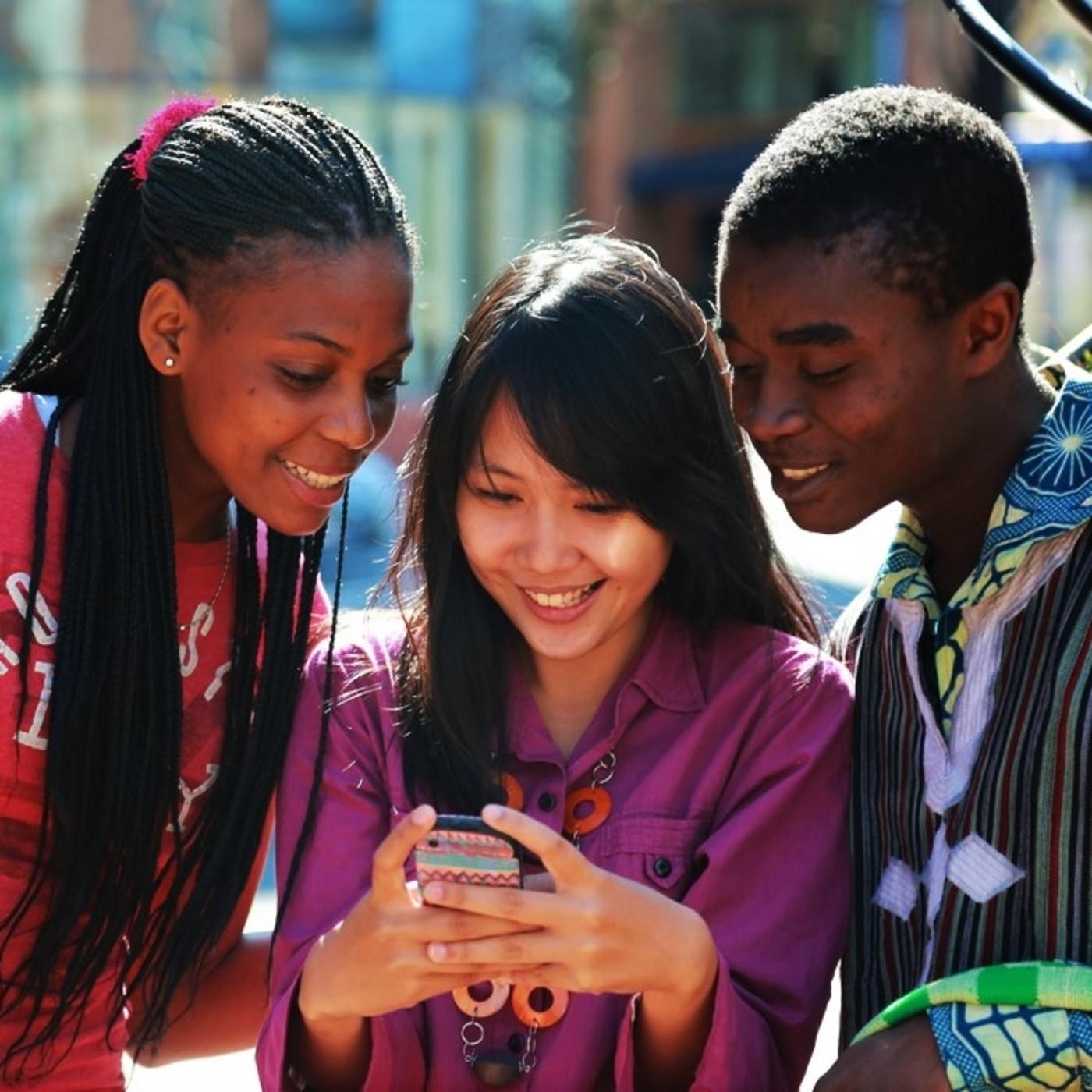 MESA DE ACTUALIDAD: Adolescentes y redes sociales