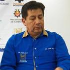 Dr jose pijal rector del instituto 17 de julio recibiendo reconocimiento por expotech
