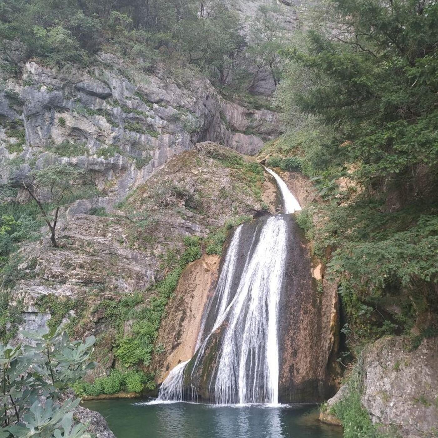 43.- Mochileros donde nace el Mundo y en el pico Argel a 1.699m (en Riopar).