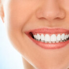 Easy tips to whiten your teeth at home