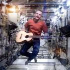 Historias de un jueves 3: Space Oddity