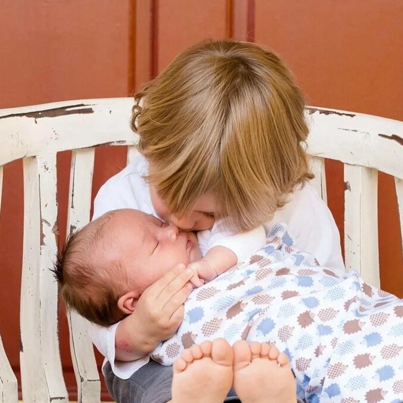 E 29 ¿Cómo preparamos la llegada de un hermano a la familia? en La canastilla de mamá
