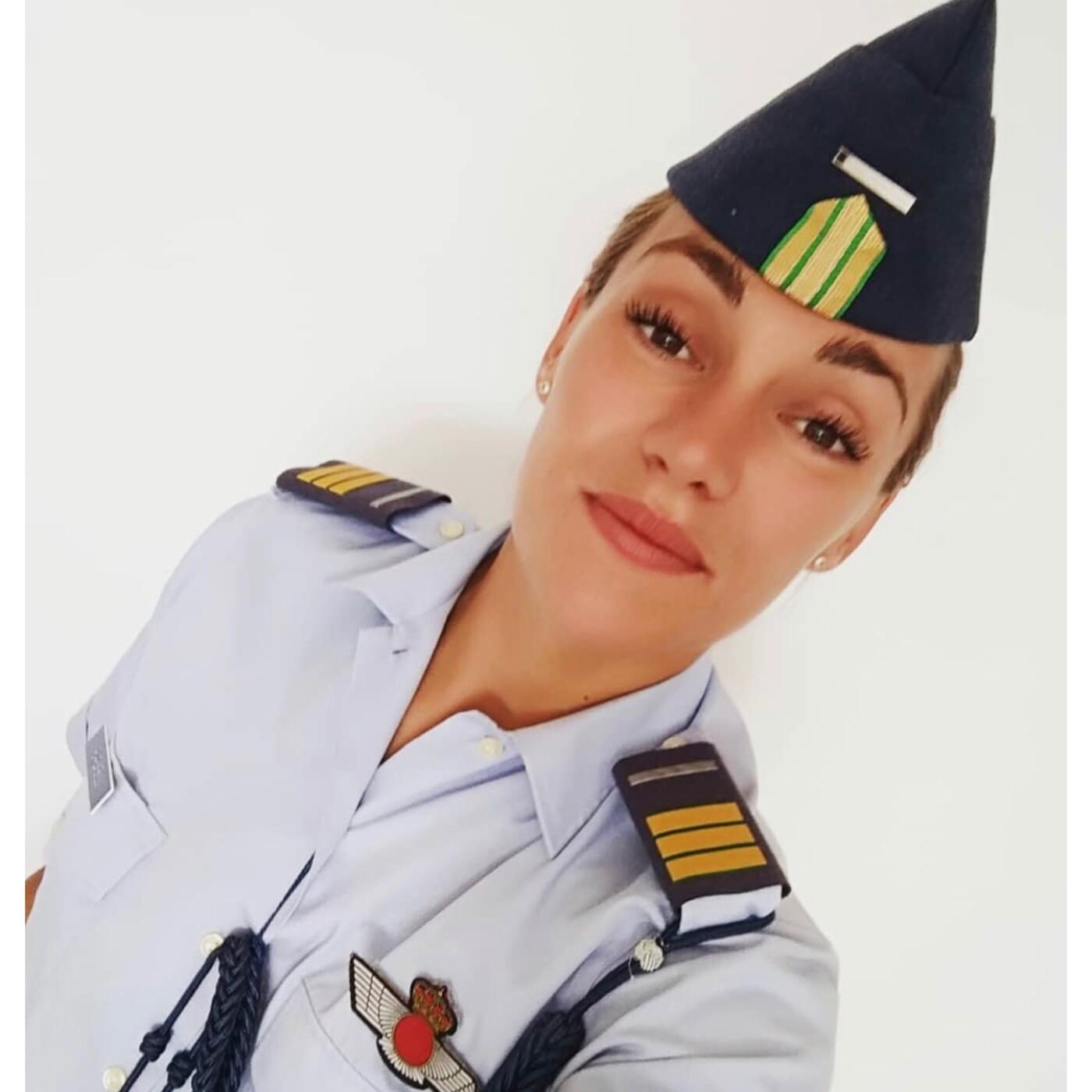 Maria Luengas - Mujeres que intimidan a los hombres // ¿hay machismo en el ejército? - La actitud como estilo de vida.