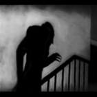 T2 x 16 *Acechando desde la oscuridad: La leyenda de Drácula*
