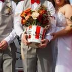 @KFC ofrece bodas GRATIS si aceptas decorarla así