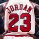 ¡Fama & dinero! El ojete moreno de Michael Jordan...