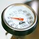 151-Medida de la temperatura y temperatura en el vino.
