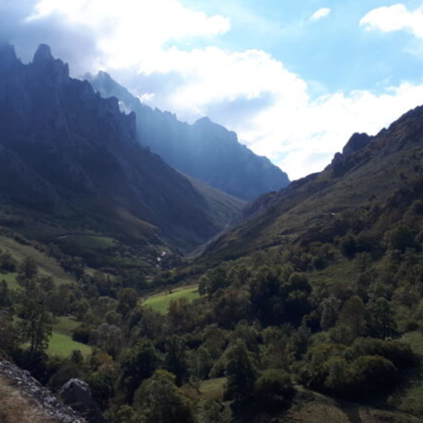 Emociones de un viaje de Poncebos a Sotres. Principado de Asturias Marcosplanet 2x4 …