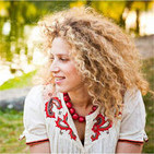 International Medium & Intuitive Kelly Benoit on intuition, mediumship and more including live readings.
