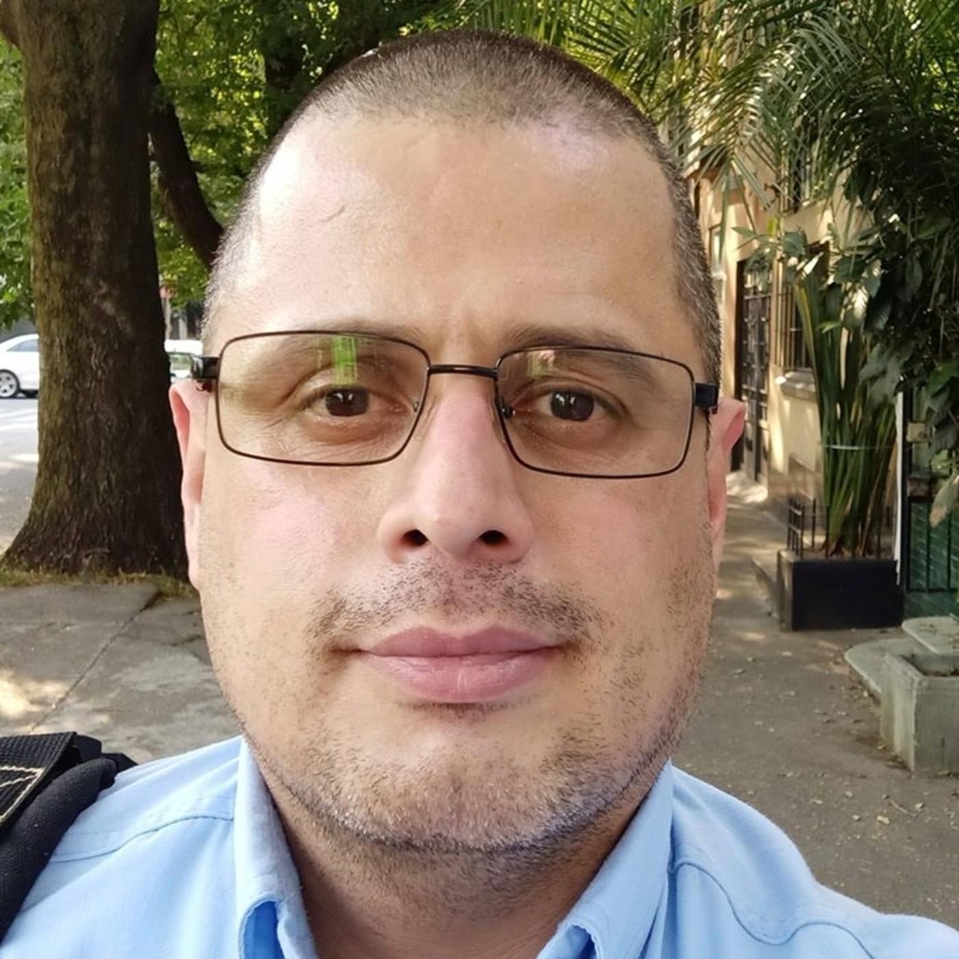 CARLOS OVIDIO